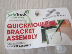 Safety Flag Quick Mount Bracket Assembly