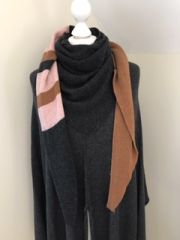 Anthracite Triangle Scarf
