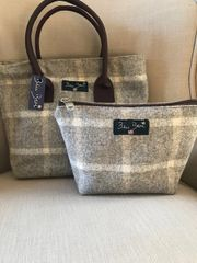 Tweed Make-up Bag Beige Check