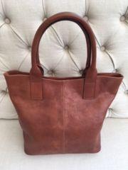 Italian Leather Handbag L137