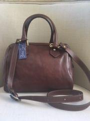 L141 Italian Leather Gladstone Style Handbag