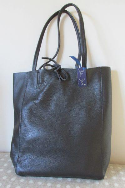 afb738497d42 Italian Leather Tote Bag - Navy Blue L36 | Blu Beri Ltd