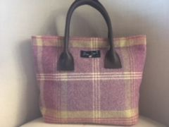 W27 Tweed Handbag Heather Check