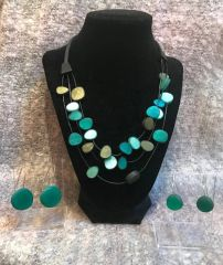 Origins Pebbles Necklace