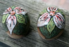 Mountain Gal Trillium Salt-n-Pepper Shakers