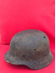 German soldiers possibly Afrikakorps M40 helmet sand colour paintwork or Africa tan remains,nice condition,recovered from the area of the Gothic Line near Bologna in Italy 1944-1945 battlefield