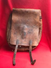 British Army leather bag dated 1940 and Ministry of Defence marked,nice condition,original colours found in Dunkirk from 1940 evacuation and the battle of France