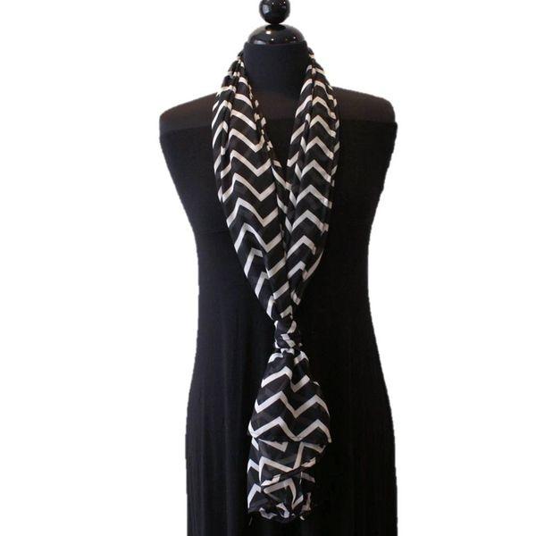 how to wear a nursing scarf