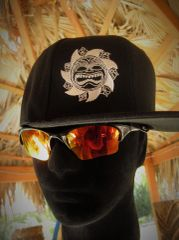 Black Hat (logo front / name back)