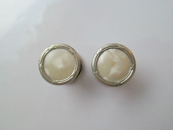 Vintage White Mother Of Pearl Snap Cufflinks.
