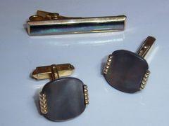 Signed Shell Insert Vintage Cufflink Tie Clip Set.
