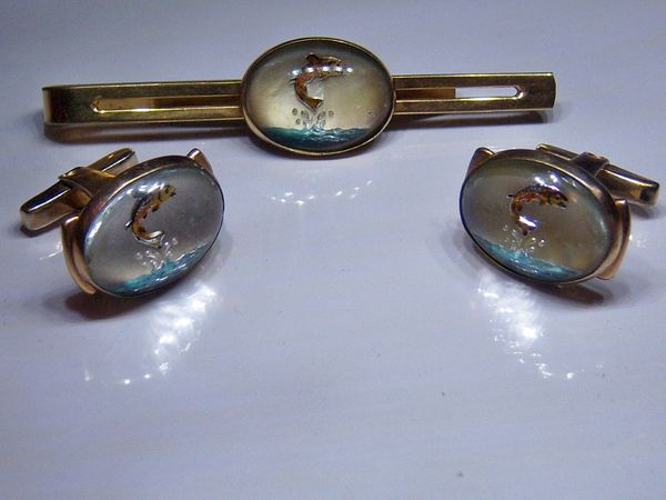 Vintage Cufflinks. Intaglio Fishing Cufflinks. Complete Signed Set.