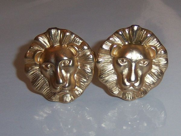Signed Lion Head Vintage Cufflinks.