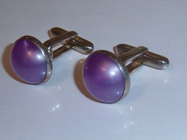 Signed Vintage Lucite Cufflinks. Round Mauve Purple Cufflinks.