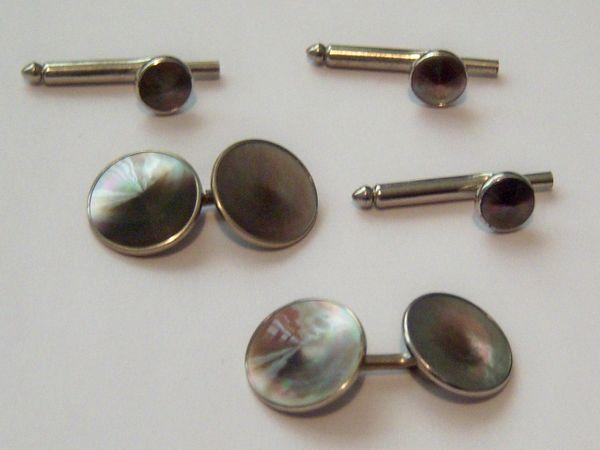 Round Art Deco Cufflinks. Complete Tuxedo Cufflink Set.
