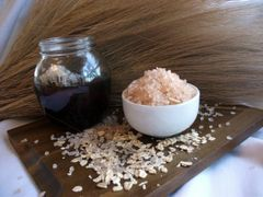 Honeymilk & Oatmeal Dead Sea Bath Salts