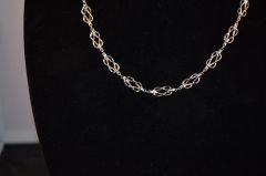 Love Knot Link Necklace