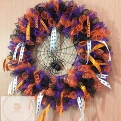 Mesh fall/Halloween wreath class