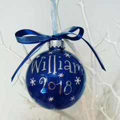 Your name and year on a bauble (Glitter)