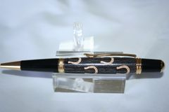 Handcrafted Lucky Horseshoes Inlay Executive Twist Pen Finished in Bright 24ct Gold - Good Luck!!