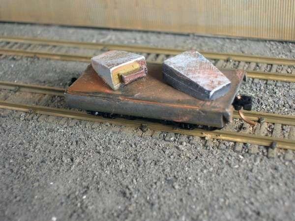 N Scale 20' Mill Car w/ 2 Big End Up Ingots