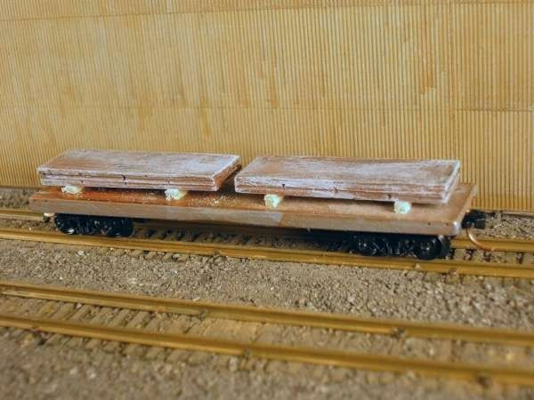 N Scale 40' Mill Car w/ 2 Large Slabs