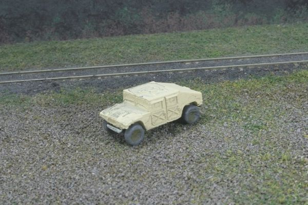 M1025 HMMWV Armorment Carrier (Sand)