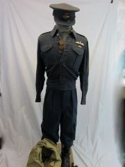 """WWII British Royal Air Force Uniform of a """"Spitfire"""" Fitter pilot KIA in the Battle of Britain over England - ORIGINAL VERY RARE -"""