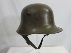 WWI - German M16 Helmet, with Original Leather Liner and Chinstrap - ORIGINAL RARE -