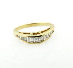 Baguette diamond band 18k