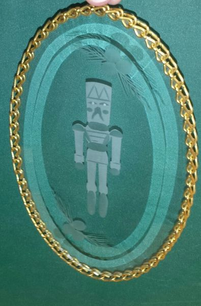 Beveled oval-toy soldier