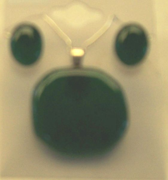 Necklace and earrings set, green