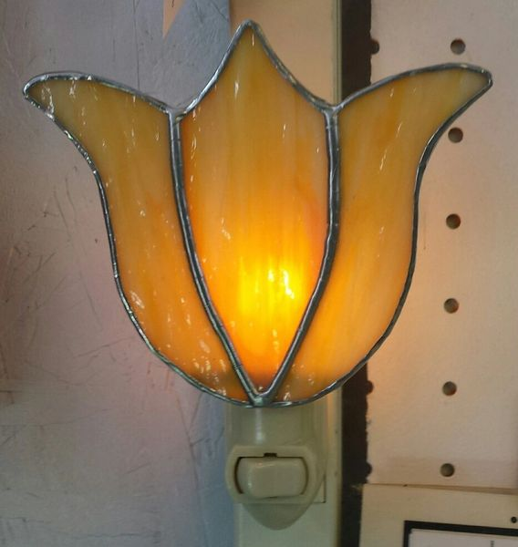 Tulip night light, yellow