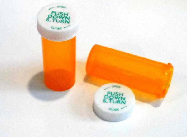 0c7d1887c725 Lot of 100 Size 8 Dram RX Medicine Vials Amber /Caps