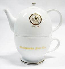MACKWOODS FINE PORCELAIN TEA POT AND CUP