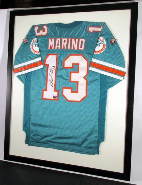 Dan Marino - Miami Dolphins, signed framed jersey