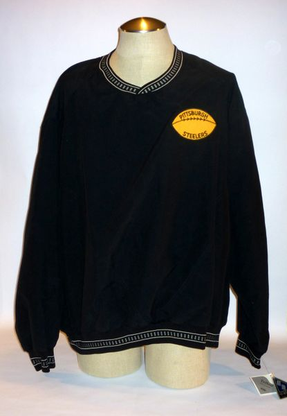 Size XXL black pullover w/rare 1970's Steelers patch
