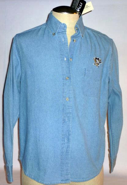 Women's Pittsburgh Penguins blue jean shirt Size M
