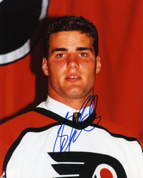 Eric Lindros - Philadelphia Flyers signed 8x10 photo