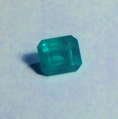 RB2-0027; Emerald, Colombia, Epo Resin Treated