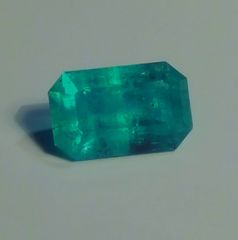RB2-0010; Emerald, Colombia, Epo Resin Treated