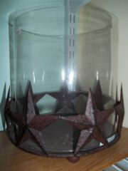 Glass candle holder w/cracked red stars