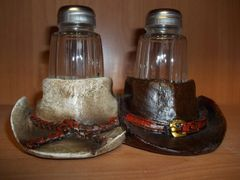 Western hat salt & pepper