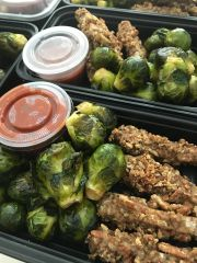 """Garlic """"parmesan"""" Tempeh Wings w. Roasted Brussel Sprouts"""