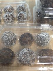 Almond Date Balls with Chocolate Chunks