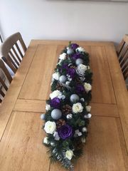 DELUXE HANDMADE EXTRA LARGE 4 FT PURPLE, IVORY & SILVER SILK ROSE CHRISTMAS TABLE ARRANGEMENT