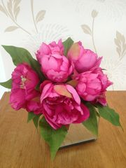 CERISE PINK PEONY CLUSTER IN MIRROR CUBE ARRANGEMENT