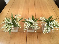 BEAUTIFUL SET OF 3 LILY OF THE VALLEY GLASS CUBE ARRANGEMENTS, IN WATER