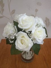 SILK ICE WHITE ROSE & GYPSOPHILA FLOWER ARRANGEMENT IN GLASS VASE WITH GRAVEL & WATER