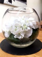 STUNNING LARGE WHITE HYDRANGEA GLASS BOWL ARRANGEMENT WITH FAUX WATER